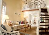 Interior con escaleras