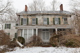 I-discovered-an-abandoned-farmhouse-on-Long-Island-New-York-with