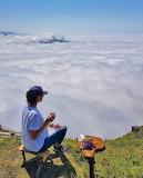 Bulutların üstünde