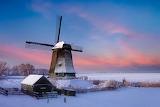 moulin sous la neige