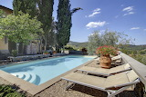 Beautiful rural Italian villa and pool