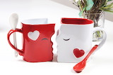 ^ Kissing Mug Set