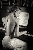 Piano girl beuty