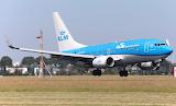 Boing 737-7K2
