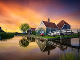 Casa y canal