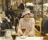 Pola Negri au Café de la Paix, Paris, 1927