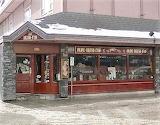 Shop pub Banff Canada