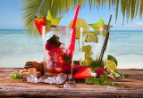 Ice, sea, palm tree, strawberry, cocktail, sugar, lime, mint, gl