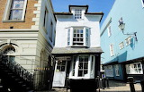 Berkshire, Windsor, Crooked house