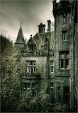 Looks abandoned - Would love to explore this old castle - so hau