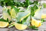 Mojito , limón y menta