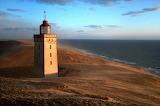 Sable empiétant peu à peu sur le phare Rubherg Knudde - Danemark