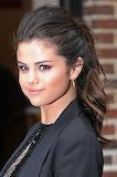 Selena-gomez-ponytail-h724