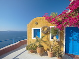 Santorini papadopoulos-sakis-colourful-house-in-santorini-cyclad
