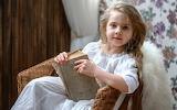 La niña y su lectura