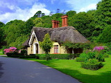 English_cottage_Wallpaper__yvt2