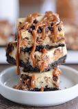 Caramel snickers cheesecake bars