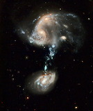 Cosmic optical illusions in Ursa Major, NASA, Hubble