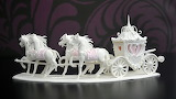 Sugar-horse-and-carriage-centrepiece-featured