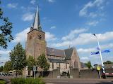R.K. kerk, Lage Mierde