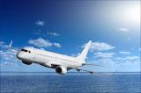 Avión sobre el mar