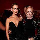 Les beautés Sarah Paulson et Hollande Taylor