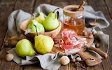 Pears-honey-nuts-hd-wallpaper