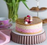Raspberry vanilla cheesecake