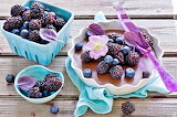 Blackberry dessert