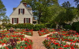 ^ Garden in Williamsburg Virginia