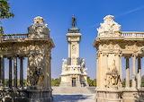 monument in Lisbon