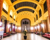 Budapest-gellert-hallway