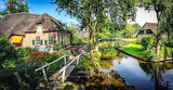 Giethoorn Cottages - Photo from Piqsels id-sorfi