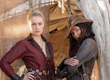 Black-sails-eleanor-and-Anne-Bonney