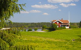 Cottage on the meadow - Photo from Piqsels id-oufsk
