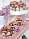 Berry mousse mini tortes