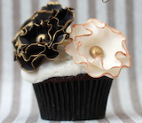 Frilled flowers cupcake