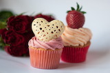 ^ Love Cake Cupcakes and Red Roses