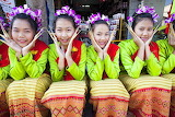 Thailand girls in traditional costumes