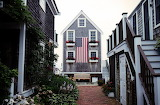 ^ House with USA flag