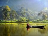 Boat-lake-indonesia_35183_990x742