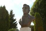 Собери пазл. Памятник Яна Чечоту в Кореличах
