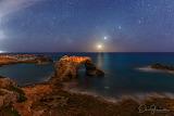 Moon-Venus-and-Jupiter-Aligment-On-Shore-Of-Syracuse-Apod-Dario