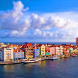☺ Colorful city by the sea...