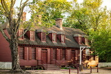 ^ Wetherburn Tavern, Williamsburg, Virginia