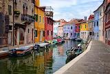 Italy - Burano-island-in-Venice