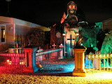 The-Mausoleum-halloween-decorations