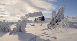 Train-winterlandscape