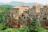 Village-of-Pitigliano-in-Tuscany
