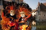 Masques-devant-le-Palais-de-lIle